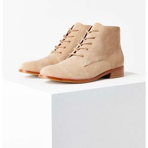 Urban Outfitters Lace-up Bootie Size 7